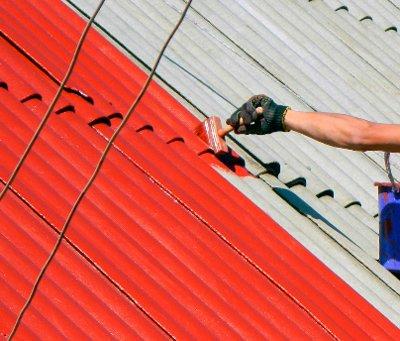 Ручная покраска шифера на крыше