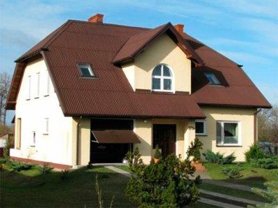 Крыша из ондулина с мансардными окнами